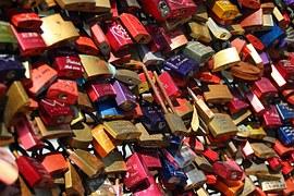 padlocks-337569__180